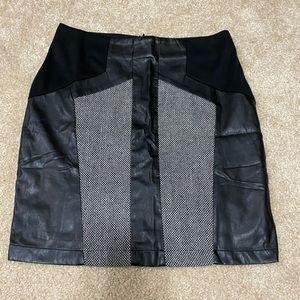 NWT Hem & Thread Skirt Size S
